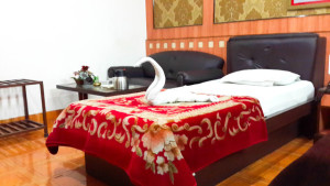 1_single_bed_room_w.jpg