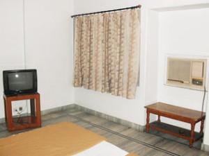 _Room_2.jpg